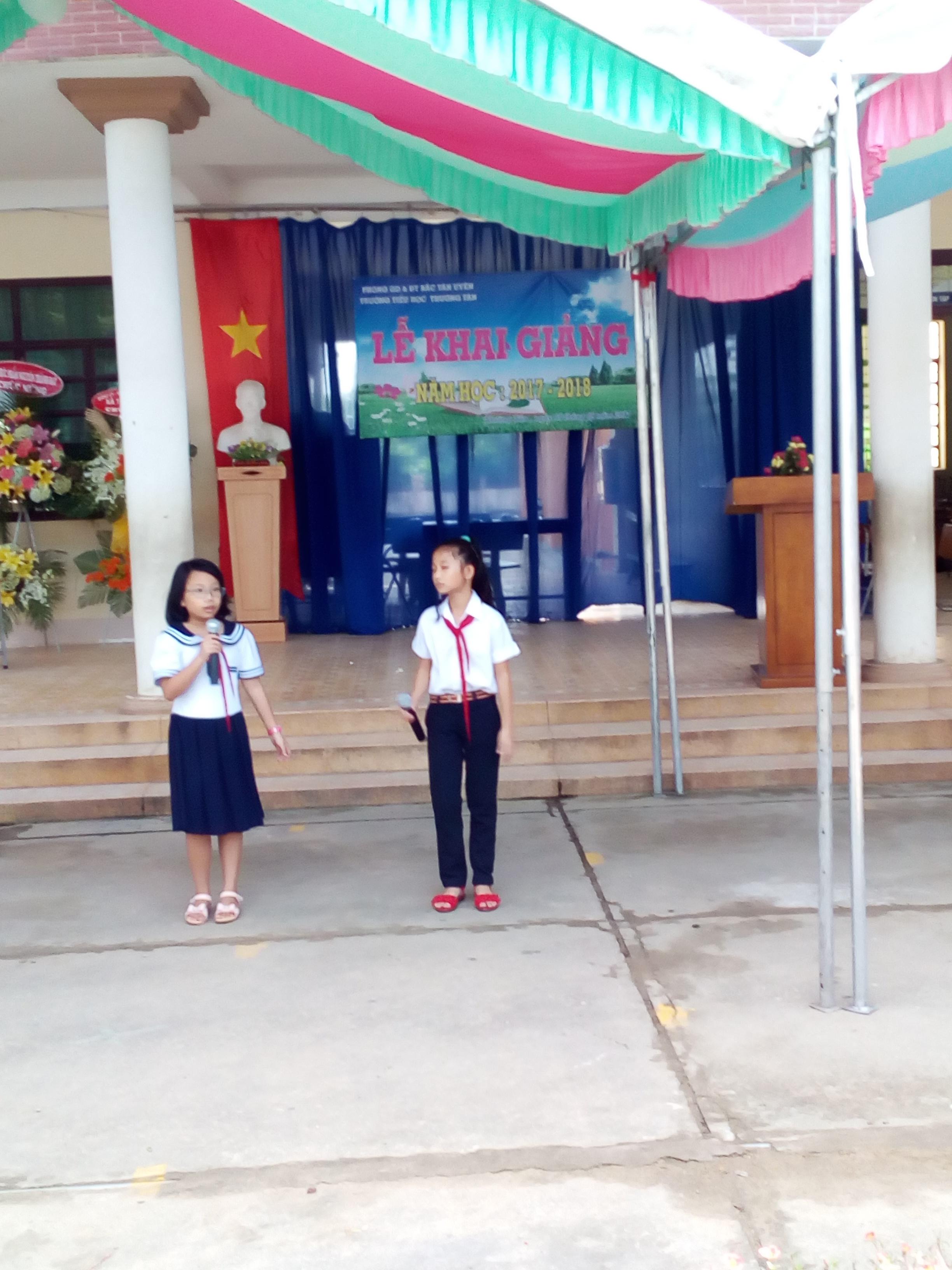 Quyết định công nhận trường Tiểu học Thường Tân đạt chuẩn Quốc gia mức độ 1